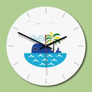"""Sieninis laikrodis """"Banginiukas nuostabusis"""" (28 x 28 cm, medinis)"""