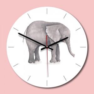 """Sieninis laikrodis """"Nuostabusis drambliukas"""" (28 x 28 cm, medinis)"""