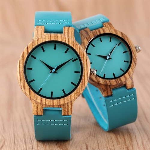 """Moteriškas rankinis laikrodis """"Medinė elegancija"""""""