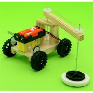"""Surenkamas vaikiškas konstruktorius """"Traktoriukas mylimukas"""" (vaiko lavinimas, aukštos kokybės)"""