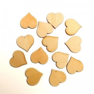 "Medinės figūrėlės ""Meilės širdelės"" (100 vnt.)"
