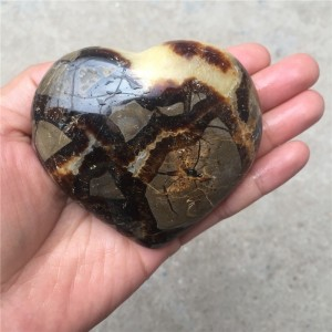 """Figūrėlė """"Originaliausioji širdelė"""" (drakono akmuo, 6 cm)"""