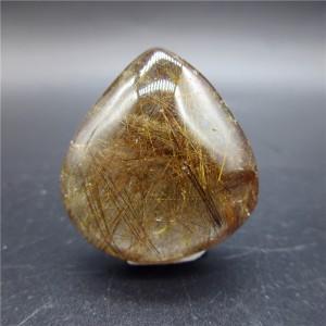 """Mineralas su inklūzais """"Skaidrusis lašas"""" (chloritas, 16 g)"""