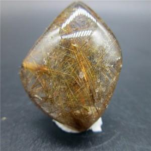"""Mineralas su inklūzais """"Skaidrusis lašas 2"""" (chloritas, 8 g)"""