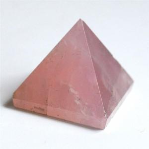 """Piramidė """"Rožinė nuostabuma"""" (rožinis kvarcas, 3 x 3 cm, 60 g)"""