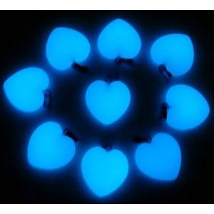 """Pakabukai """"Mėlynosios šviečiančios širdelės"""" (24 vnt, 20 x 20 mm)"""