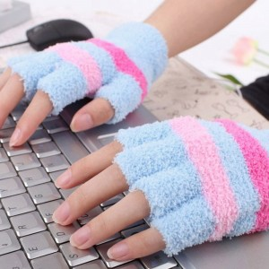 """Šildančios pirštinės """"Jaukūs žiemos vakarai prie kompiuterio 8"""" (USB, medvilnė)"""
