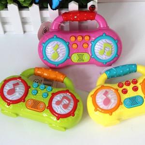 """Muzikinis žaislas """"Magnetofonas"""""""