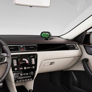 """Automobilio LCD laikrodis - termometras """"Tikslumas 2"""""""