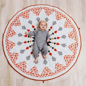 """Kilimėlis mažyliui """"Geometriniai deimančiukai"""""""