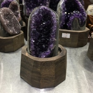 """Natūralus mineralas """"Nuostabioji svajonė 9"""" (ametisto kristalas, 640 g)"""