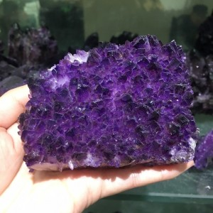 "Natūralus mineralas ""Nuostabioji svajonė 10"" (kvarco kristalas, 500 g)"