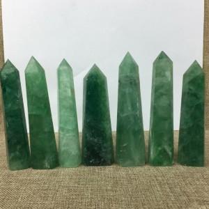 """Natūralus mineralas """"Puikusis žaliasis obeliskas"""" (floritas, 6 cm, 7 vnt)"""