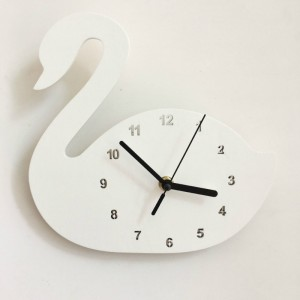 """Sieninis laikrodis """"Baltoji gulbė"""" (24 cm)"""
