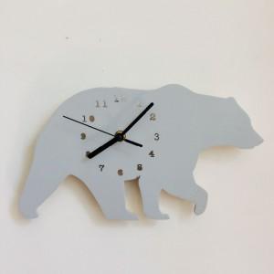 """Sieninis laikrodis """"Pilkoji meška"""" (30 x 18 cm)"""