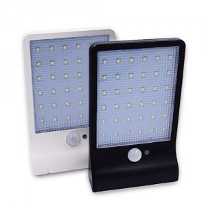 """Saulės energija įkraunamas šviestuvas """"Aukščiausia klasė 7"""" (36 LED)"""