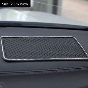 """Neslystantis kilimėlis automobiliui """"Juodoji elegancija"""" (29.5 x 15 cm)"""