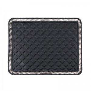 """Neslystantis kilimėlis automobiliui """"Juodoji elegancija 5"""" (18 x 14 cm)"""