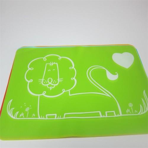 """Vaikiškas silikoninis pietų padėkliukas """"Puikusis liūtukas 2"""" (eko draugiškas)"""