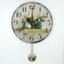 """Sieninis laikrodis """"Nuostabus žalumynų pasaulis"""" (su švytuokle)"""