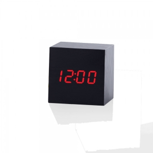 """Laikrodis žadintuvas """"Medžio kūbas"""" (6 cm)"""